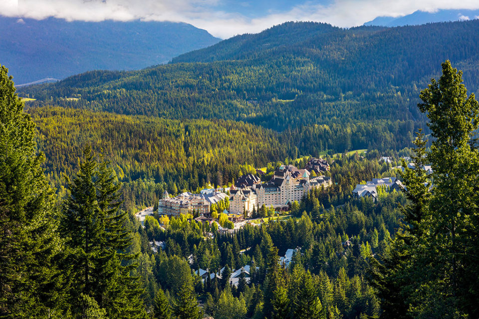 FAIRMONT'S MOUNTAIN HOTELS TAKE TOP SPOTS IN TRAVEL AWARDS